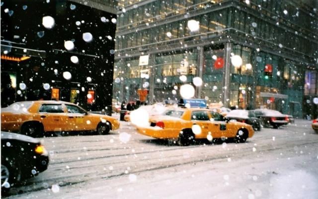 brr3er-pw5_ru-in-a-new-york-snow-yellow.jpg